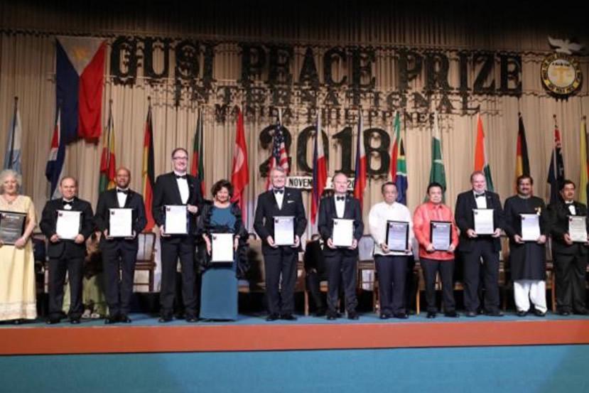 Amerika Türk Koalisyonu Uluslarasi Gusi Bariş Ödülü'nü Aldı